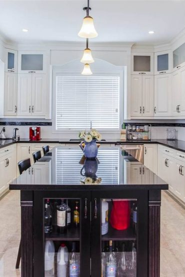 Deer Lake Park Home for Rent Kitchen