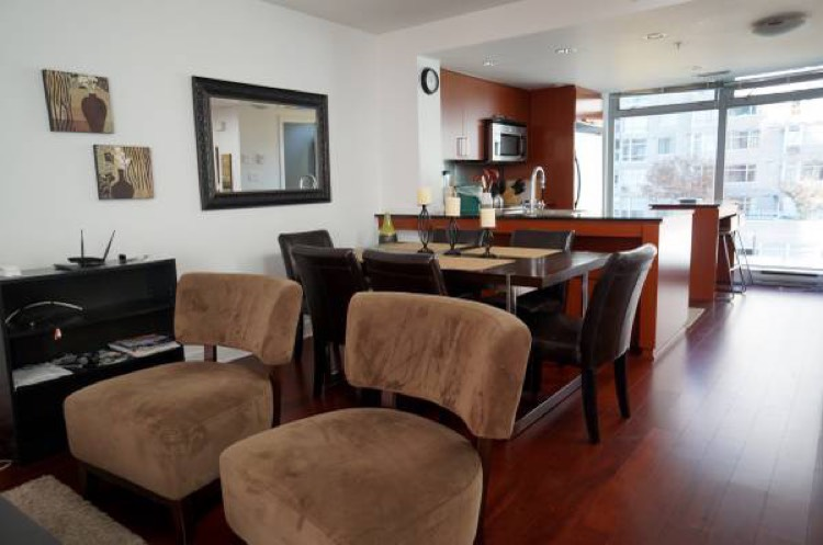 Townhome For Rent Elan 1255 Seymour Vancouver - Open Concept Living Area