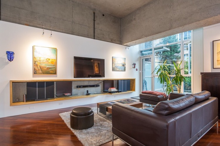 Loft Style Apartment in Yaletown Vancouver