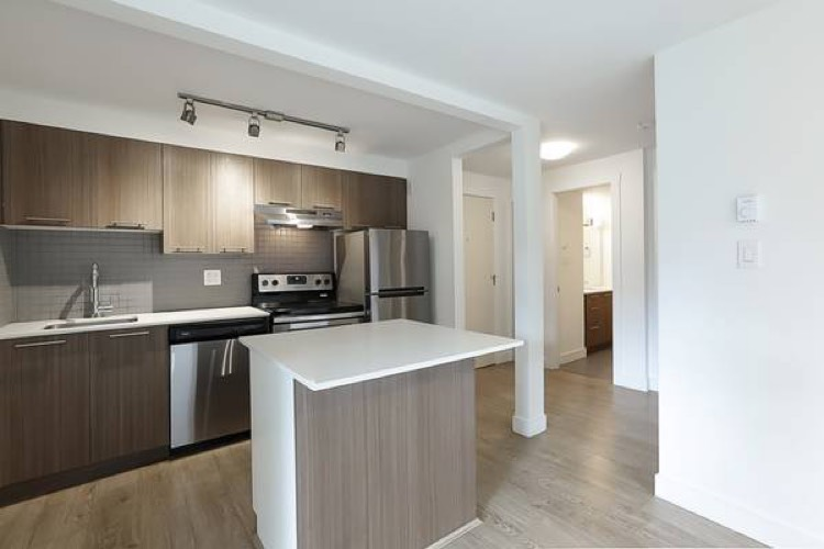 North Vancouver Apartment for Rent 110 E Kings Rd