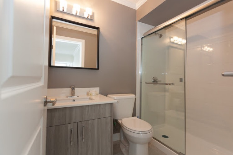 Apartment for Rent 1375 West 10th Vancouver Bathroom