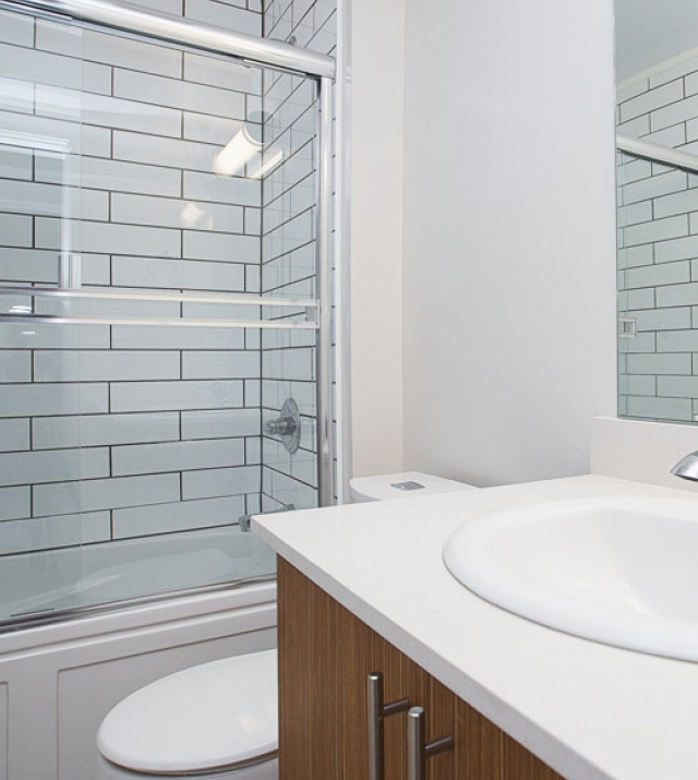 New West Apartment for Rent Bathroom