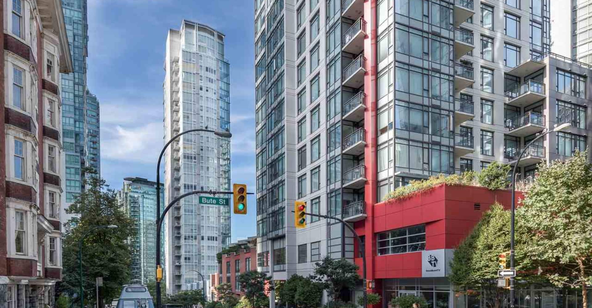Apartment for Rent in Flat Iron 1277 Melville Street Vancouver - Building