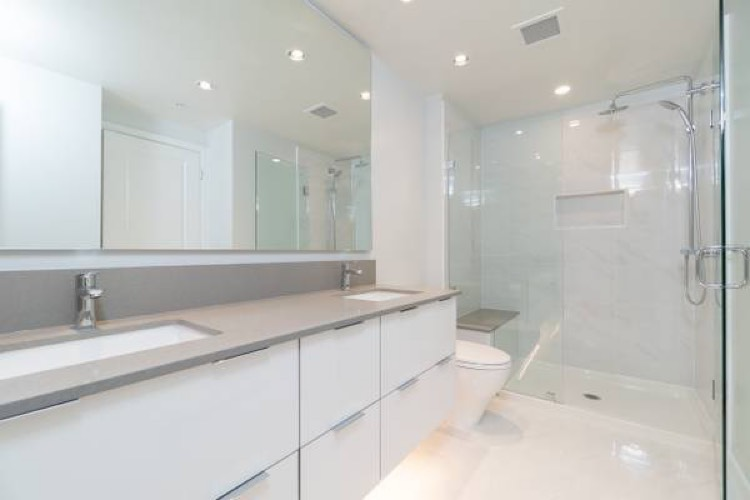 Apartment for Rent Midori 6638 Dunblane Ave Burnaby - Bathroom