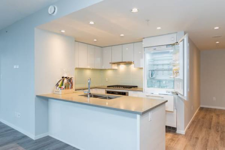 Condo for Rent Midori 6638 Dunblane Ave Burnaby - Kitchen