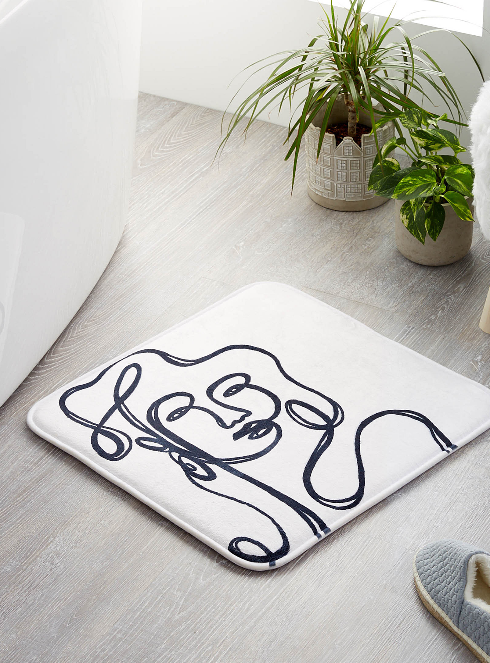 Modern Bathroom Square Bathmat with Artistic Portrait