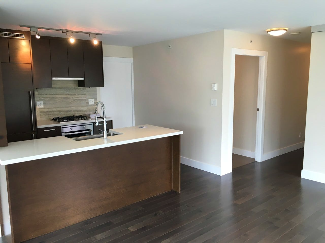 Dolce Tower Vancouver 2 Bedroom Apartment - Kitchen 2