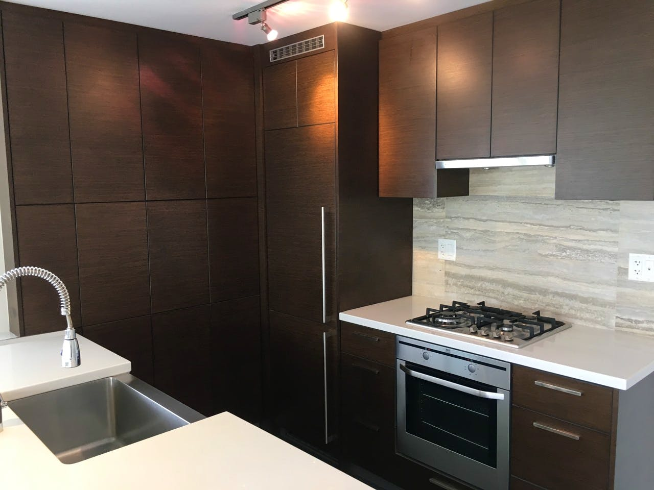 Dolce Tower Vancouver 2 Bedroom Apartment - Kitchen