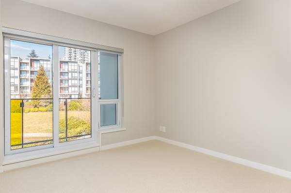 Eton Gray Ave 5687 4 Bedroom Apartment Vancouver - 2