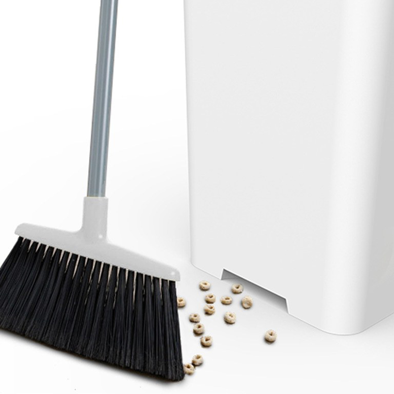 Cleaning made easier with Bruno Smart Can