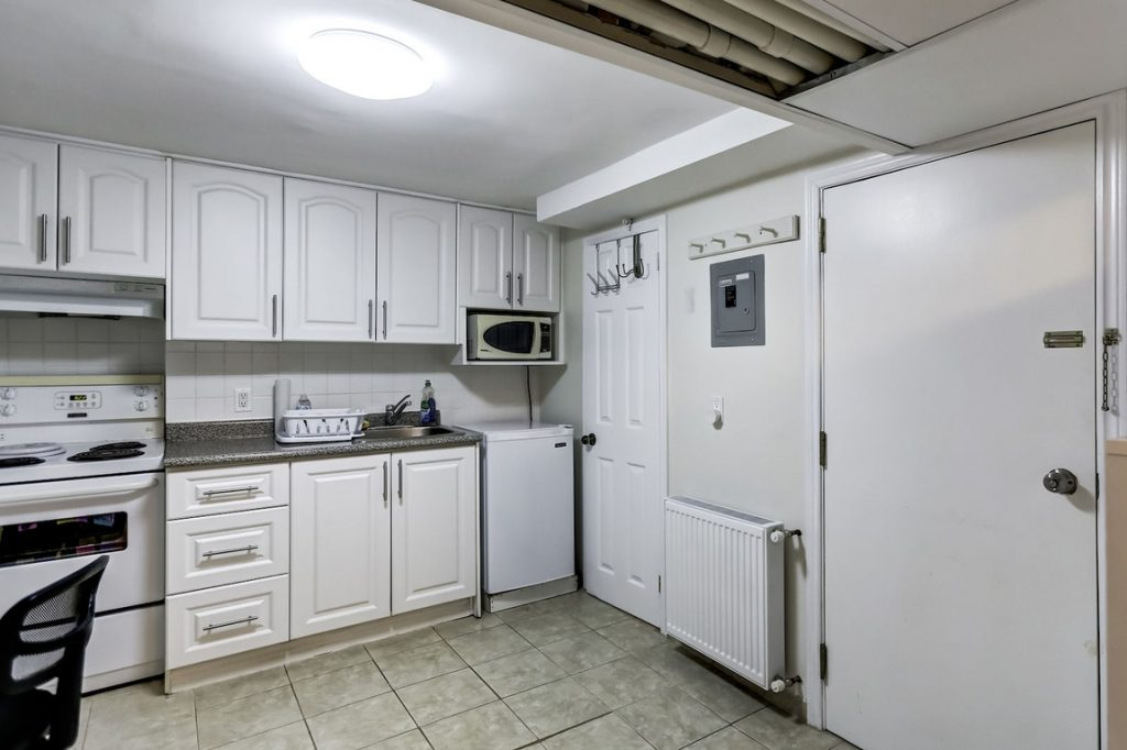 For rent in toronto near U of t